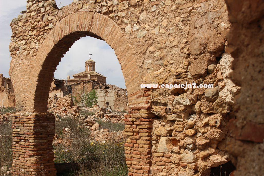 Belchite-Viejo-Arco-Iglesia