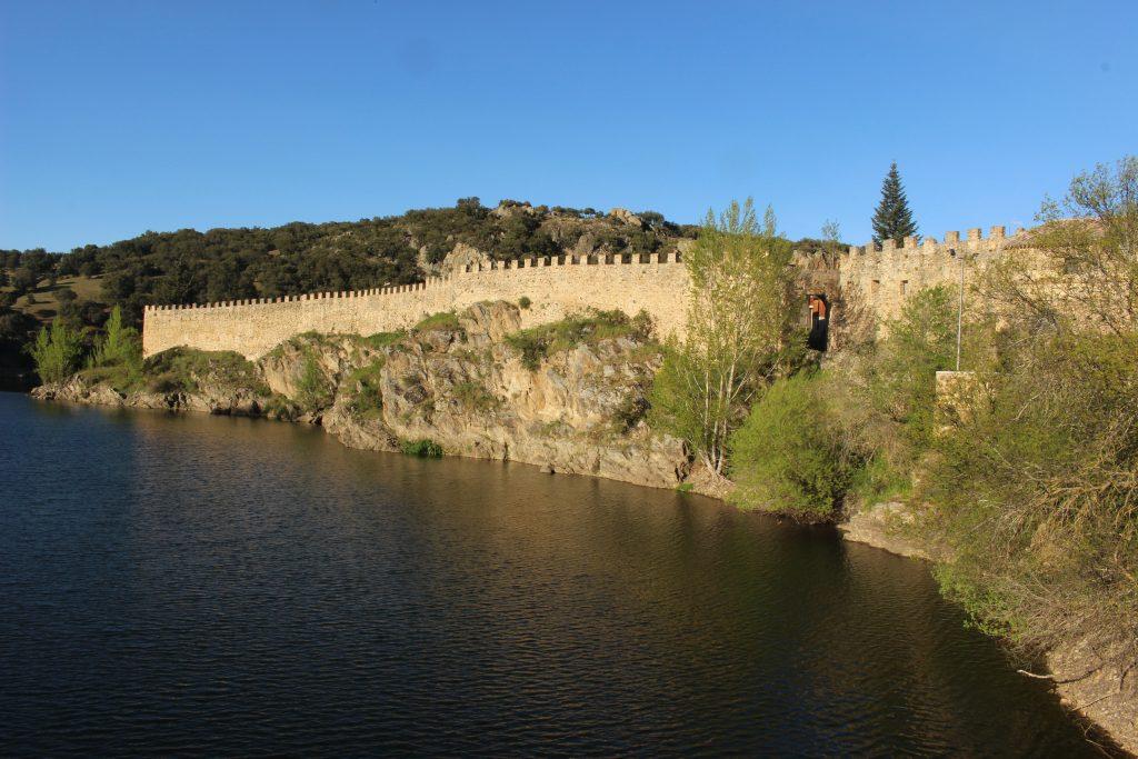 Buitrago de Lozoya y su muralla